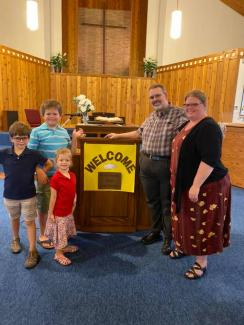 Pastor Kevin with his wife Amy and children (from oldest to youngest) Isaiah, Asa, and Hannah